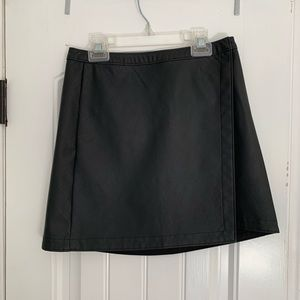 Abercrombie & Fitch black wrap skirt, size Small